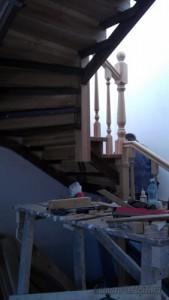 Отделка каркаса лестницы
