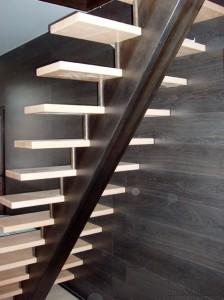 Лестница на центральном косоуре-балке