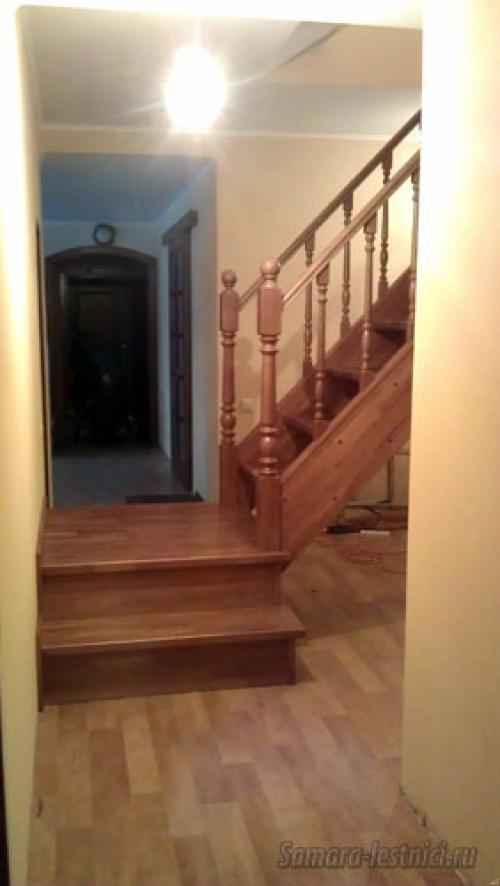 Лестница с проходной площадкой