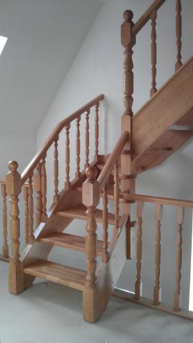 Лестница с винтовыми балясинами